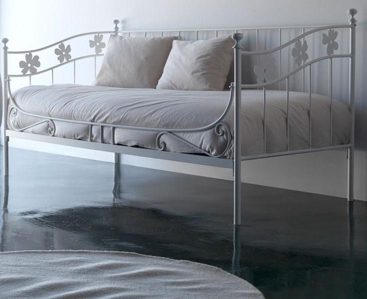 Cama divan lino forja blog de artesania y decoracion - Camas supletorias y divanes ...