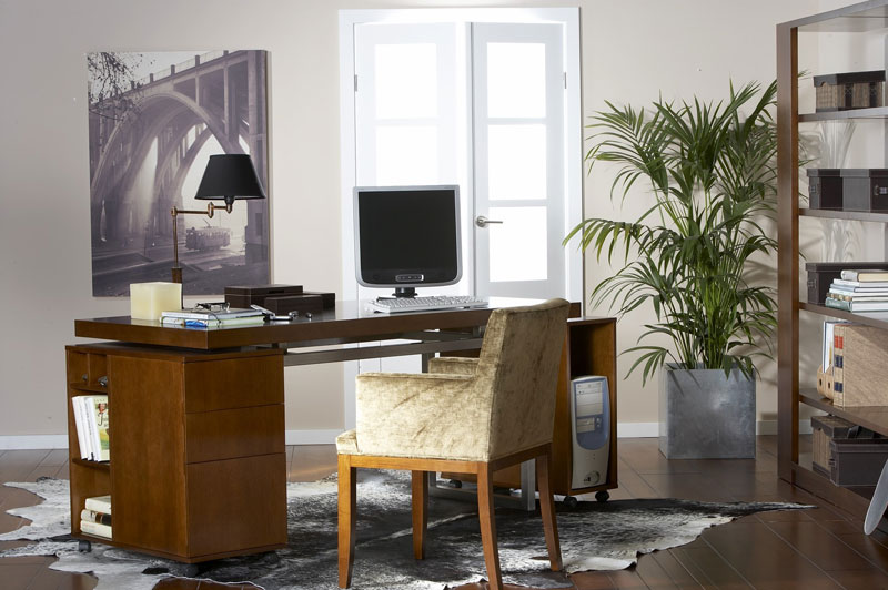 Mesa de despacho moderna en un chal en la zona de la - Mesas de despacho modernas ...