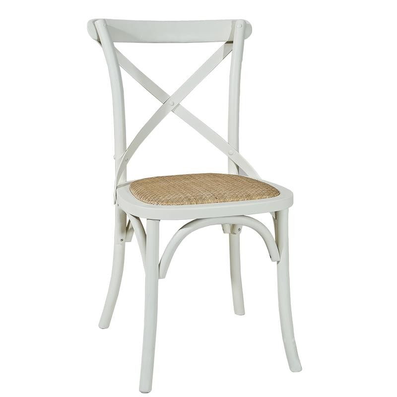 Silla actual blanca asiento rattan