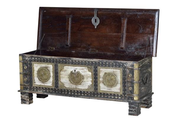 Baul madera maciza decoracion metal oriental