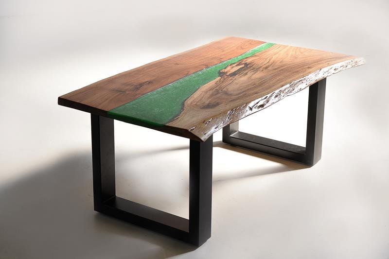Mesa baja de centro con resinas color
